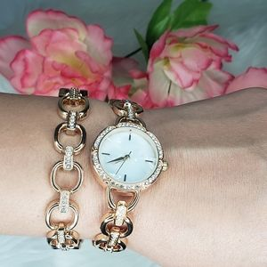 Oval Marbel Gold Watch with Bracelet Time And Tru